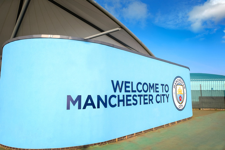 Welcome to Manchester City Sign